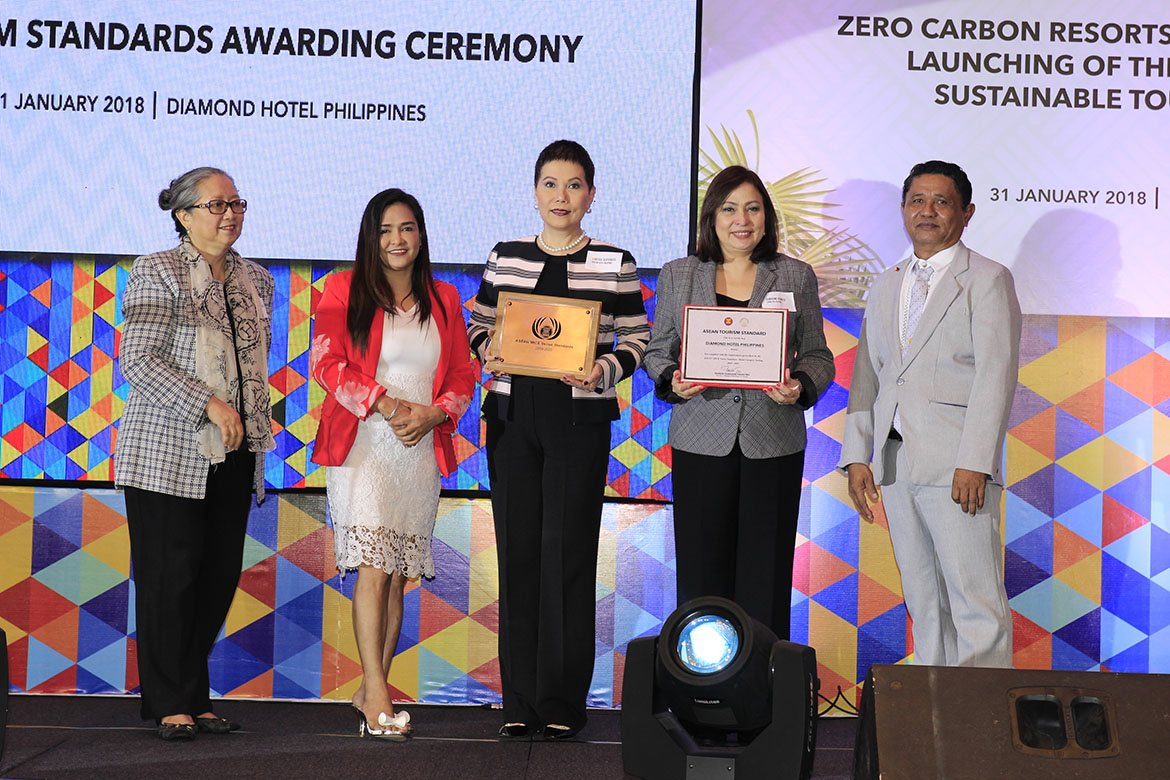 Diamond Hotel Philippines receives ASEAN MICE Venue Award